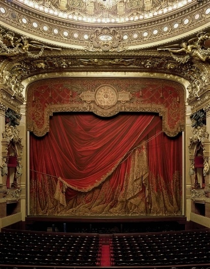DL_ParisC.jpg 892×1,140 pixels #theatre