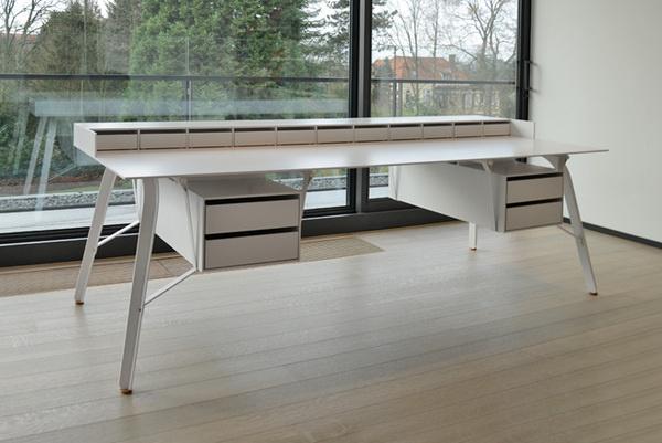 Office Desk L by A+A Cooren #minimalist #desk #minimal #minimalism
