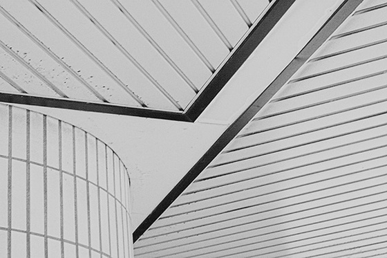 PATTERNITY // BLACK AND WHITE CEILING #lines #architecture #space