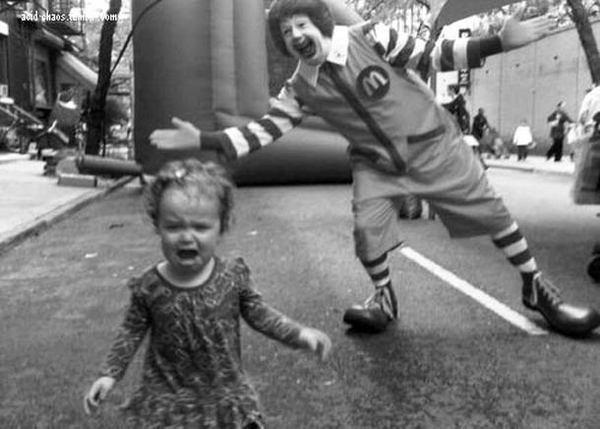 selection du weekend 37 45 #shock #mcdonalds #escape #kid #child #fear #clown #crying