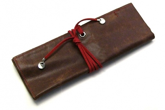 PlePle Choco Wrap Pencil Case - Strawberry Pink Color Tie - JetPens.com #pleple #stationary #case #leather #pencil