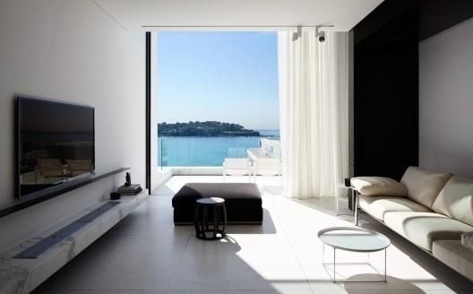 Bondi Beach House / Katon Redgen Mathieson   ArchDaily #interior #design #architecture #house
