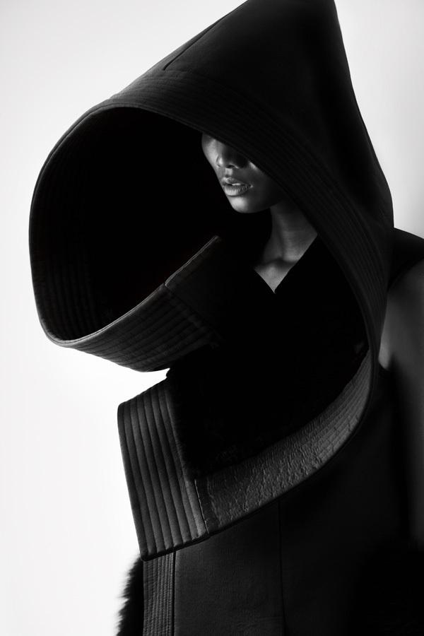 12e6cf4c351fd4603aef0c662cb496bd #dark #photo #white #black