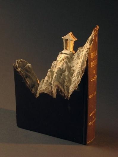 Book sculptures - Wall to Watch #oriental #sculpture #paper #book