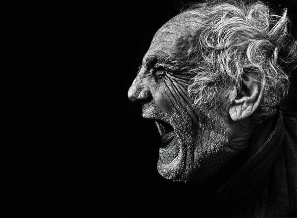 Lee Jeffries #old #white #dramatic #black #scream #and #man