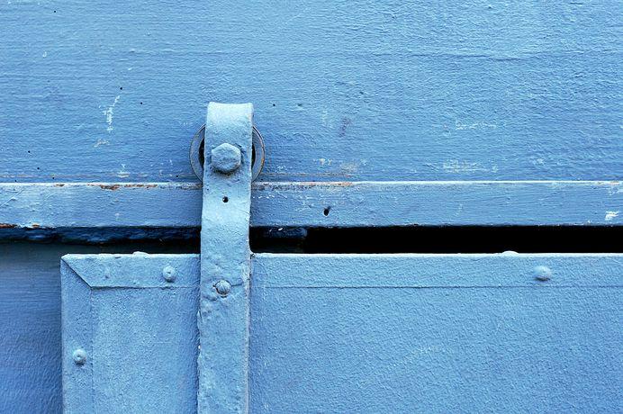 Blue Sliding Door (Closeup) - New England barn - Wikipedia