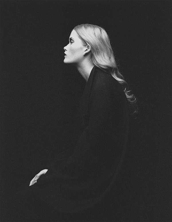 Portraits 6x7 ( Part I ), Roman Pashkovskiy #white #woman #roman #black #photography #portraits #pashkovskiy