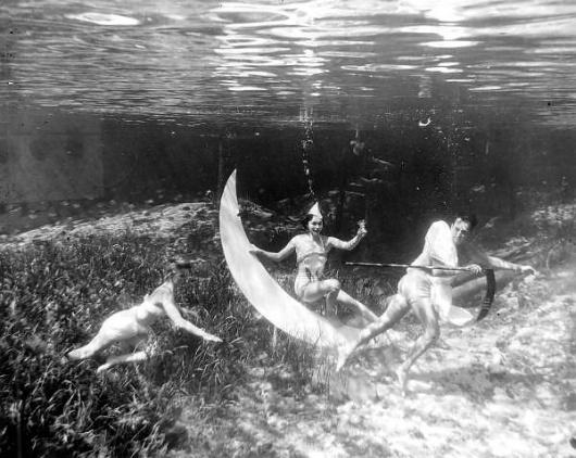 Underwater New Year's at Rainbow Springs: Rainbow Springs, Florida | Flickr - Photo Sharing! #florida #1950 #underwater #film