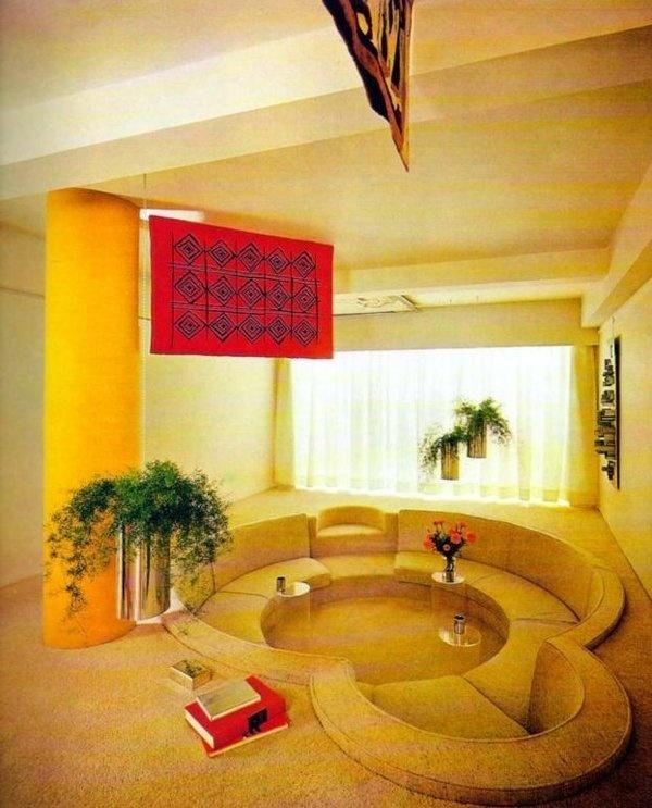 Vintage Decor: Seating inset into the floor #interior #design #vintage