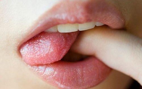 ↪ #lips