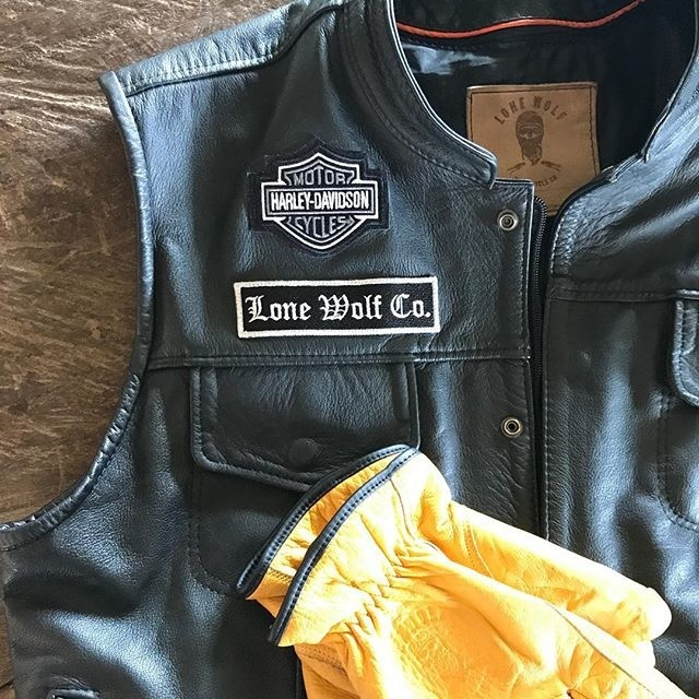 Lone Wolf Co. 🐺 Leather Club Vests. Ventas Whatsapp: 3146159148 #chalecodecuero #leathervest #clubvest