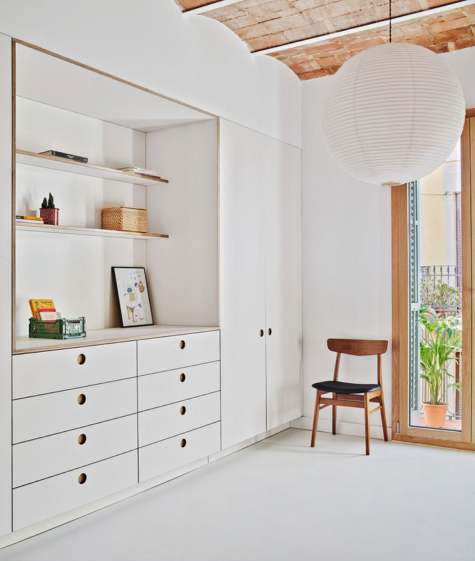 Joan Blanques by Allaround Lab