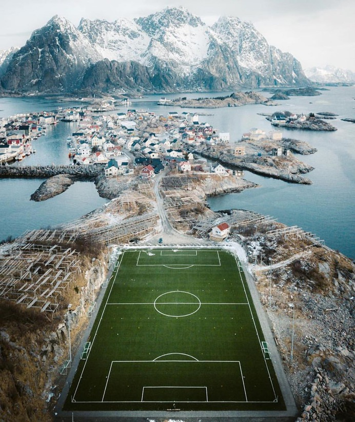 🇳🇴 📸:@jakergb Norwegian football pitches are the best #lensbible by @lensbible
