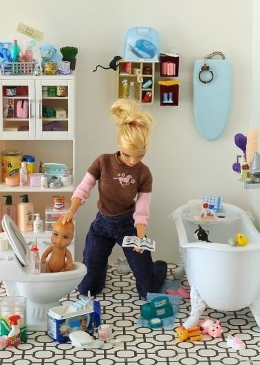 Widelec.org - Video & Photo Blog - Zdjęcia - Odjechane - Prawdziwe życie lalek Barbi by Mariel Clayton #photo #doll