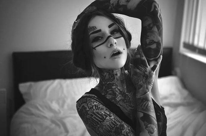 A day in the land of nobody : Photo #photo #tattoo #young #photography