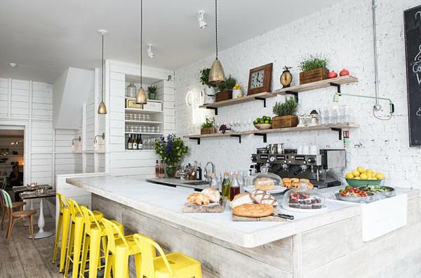 11 Rooms with Sunshine y Bright Spots Photo #interior #design #yellow #decor #kitchen #deco #decoration