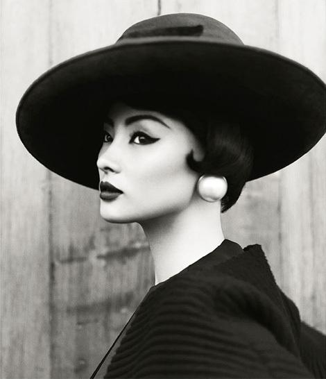 Miao Bin Si x Yin Chao #white #si #photograph #black #bin #miao #and