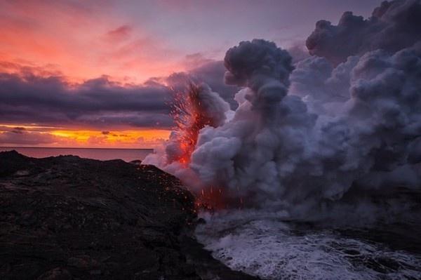 Lava meets Ocean – Fubiz™ #ocean #lava #meets #fubiz