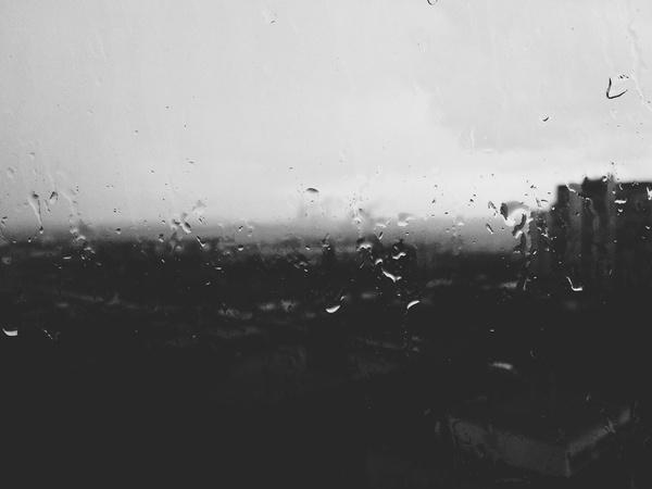 Rain beats #petersburg #4s #iphone #alexandrov #rain #saint #iphone4s #russia #bw #vsco #andrey