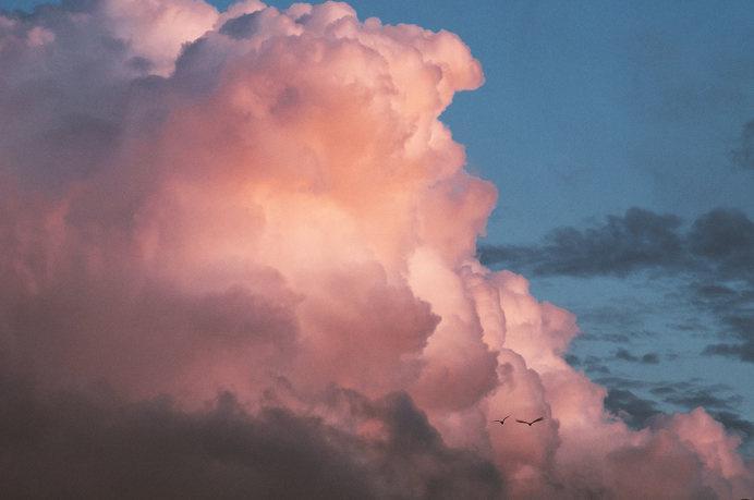 Midnight. #clouds #north #midnight #nordic #seagulls #gothenburg #gã¶teborg #scandinavia