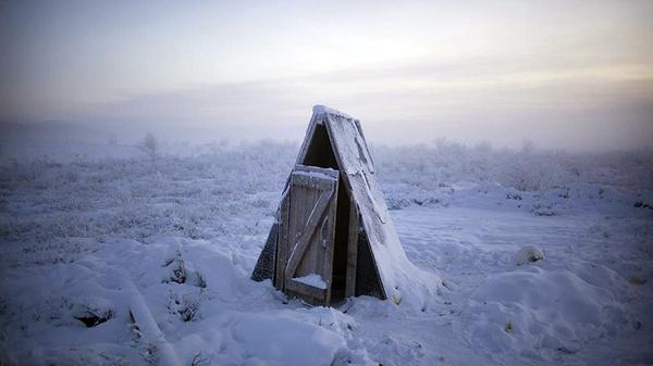 0amoschapple 003.jpg #cold #town #snow #photography #winter