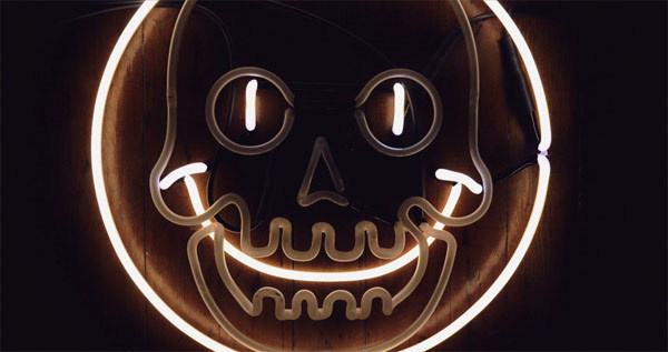 mike-heist-neon-fab #sign #skull #neon