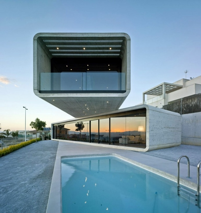 House Crusade / Clavel Arquitectos