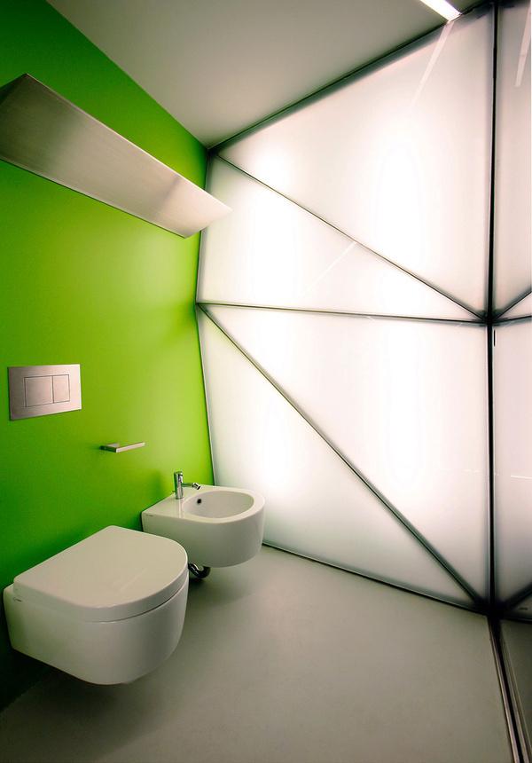 Unique bathroom atmosphere -Bathroom colours #interior #design #bathroom #bathtub #decoration