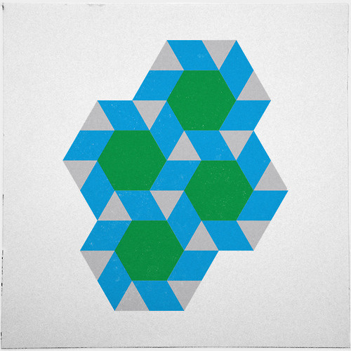 #355 Green suns – A new minimal geometric composition each day