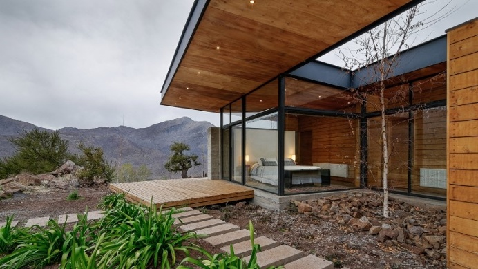 Each room of this house communicate with a terrace: Casa San Esteban