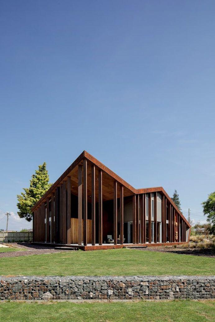 Multi-Generational Retreat by RTA Studio, Turama House 9