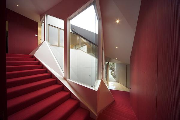 http://ad009cdnb.archdaily.net/wp content/uploads/2008/10/958886402_mcr kbh 070737 8606.jpg #interior #ryan #house #bottle #klein #architecture #mcbride #charles