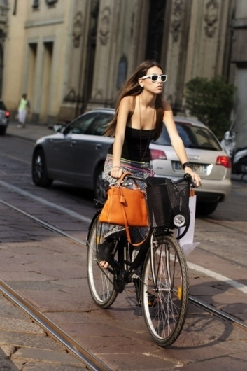 http://thisisnotnew.tumblr.com/ #shoppinh #girl #city #street #summer #bike