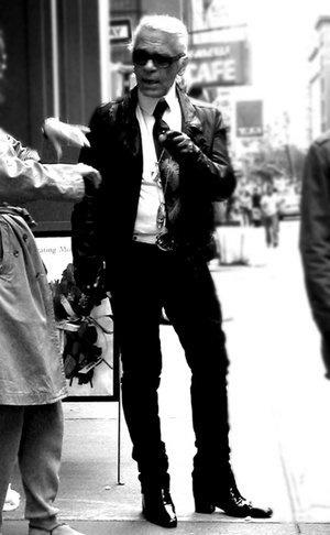 2008-10-31-The_Legend_Karl_Lagerfeld.jpg (JPEG Image, 300x486 pixels) #karl #photography #chanel #fashion #lagerfeld #style
