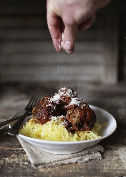 Spaghetti Squash Pasta with Meatballs #pasta #squash #meatballs #spaghetti