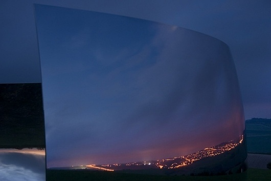 C-Curve - Anish Kapoor | Flickr - Photo Sharing! #curve #brighton #city #kapoor #reflection #chrome #metal #light #anish