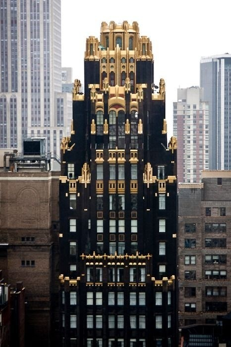 building #gold #chicago #tower #black