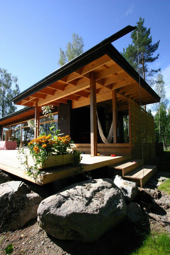 Summer Villa Built on the Shore of a Beautiful Lake in Central Finland