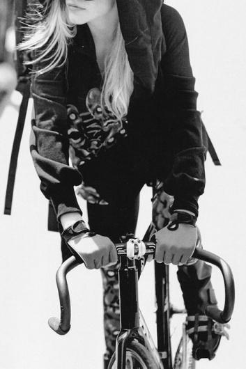 hot girls on bikes #fixie #blackwhite #bicycle #girl #hotgirlsonbikes #photography #gloves