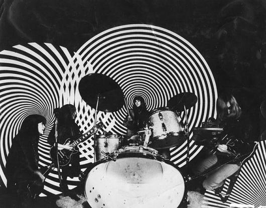 vintage-girl-bands (20)[2].jpg (672×526) #music #band #vintage