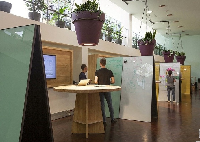 Typeform Offices in Barcelona by Lagraja Design 8