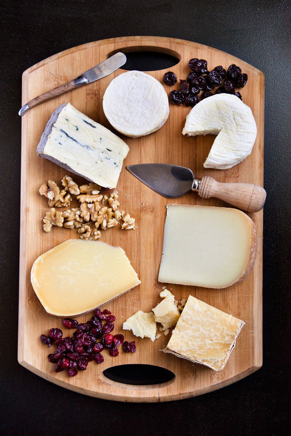 A CUP OF JO: A handy guide to creating the perfect cheese plate #photography #food