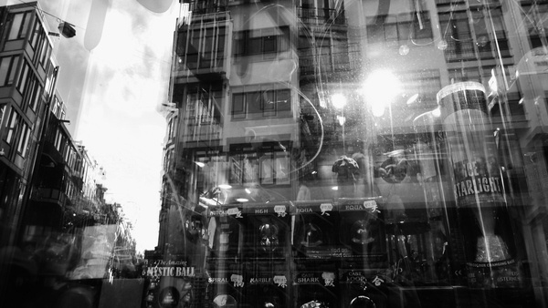 Amsterdaaammnnn '08 & '11 on Behance #white #wallb #reflection #& #black #amsterdam