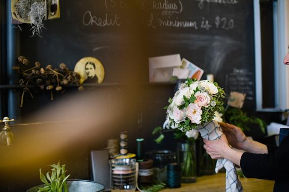 New-York-City-Elopement-3 #apple #bun #blossom #city #big #the #bride #car #taxi #nyc #wedding #flowers