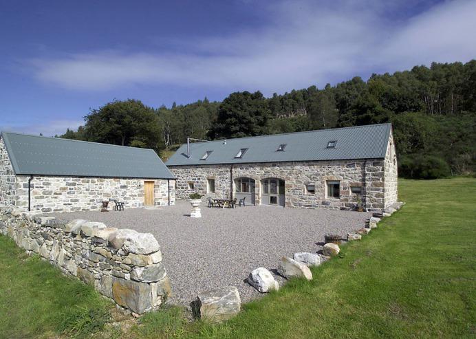 Big Group Scottish Accommodation - Weiroch Lodge