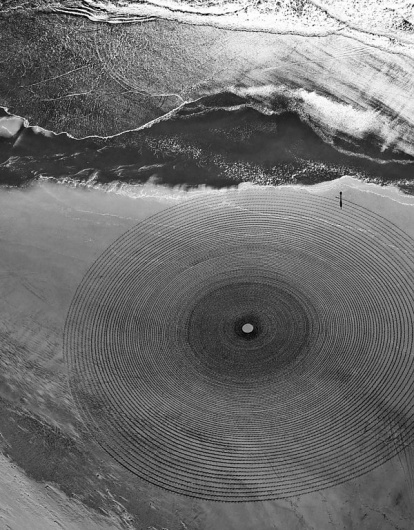 Jim Denevan etches impermanent geometric drawings into California beaches | Colossal #jim #spiral #photography #sand #denevan #drawing