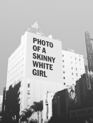 avatars 000045522870 bplpo1 crop.jpg (303×400) #advertising #wall #girl #typography