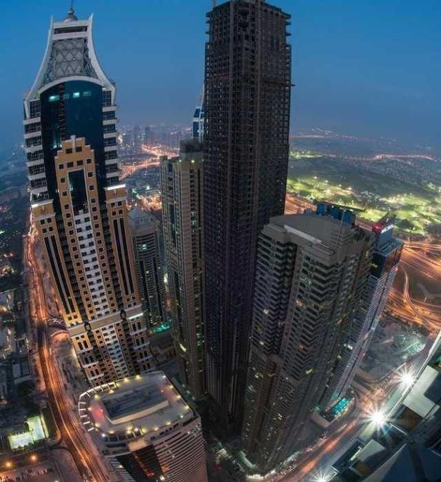 Dubai by Sebastian Opitz #inspiration #photography #cityscape