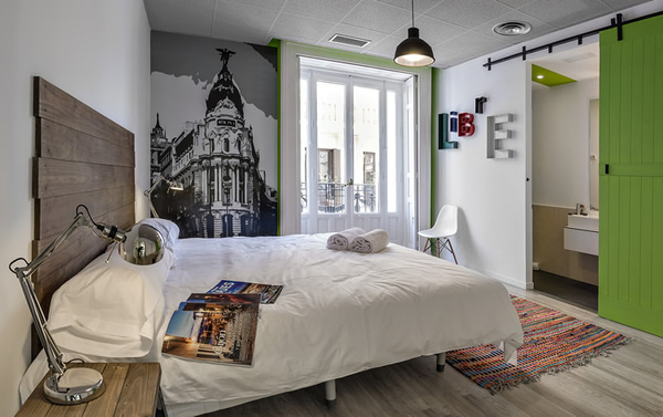 http://www.weheart.co.uk/upload images/uhostelsmadrid6.jpg #interior #design #bedroom