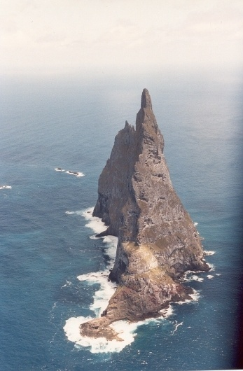 tumblr_lx8lt60X6c1qbm7oto1_1280.jpg (JPEG Image, 671×1024 pixels) #island
